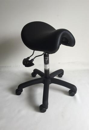 Ergonomic saddle seat for health professionals