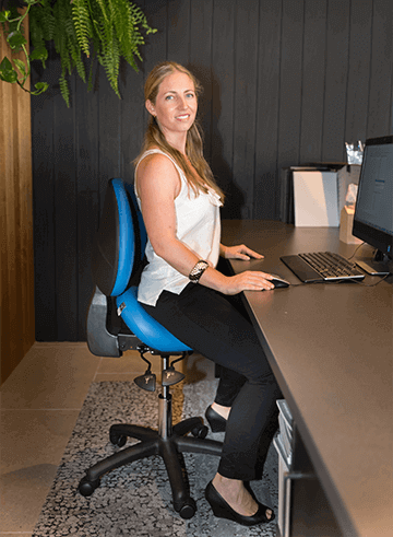 Saddle chair for office