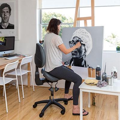 Painter using Bambach saddle seat
